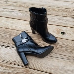 Mark. Heeled Ankle Boots